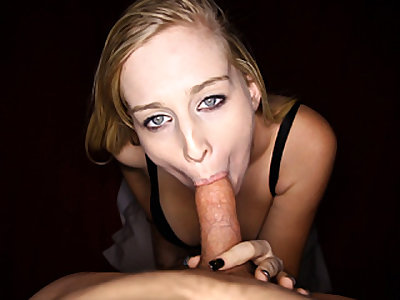 Ash-blonde Teenager Luvs Peen